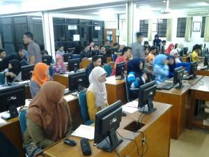 KSWeb mampu membawa lebih dari 50 anggota. Mereka sangat antusias mengikuti KSWeb, terlihat dari canda tawa selama belajar.